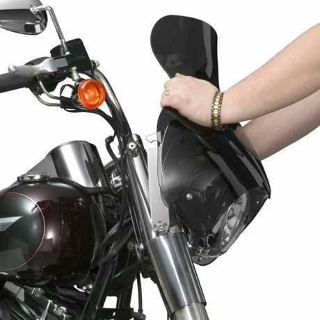 """National Cycle National Cycle Stinger Windshield 13"""" light tinted  - 65-3150"""