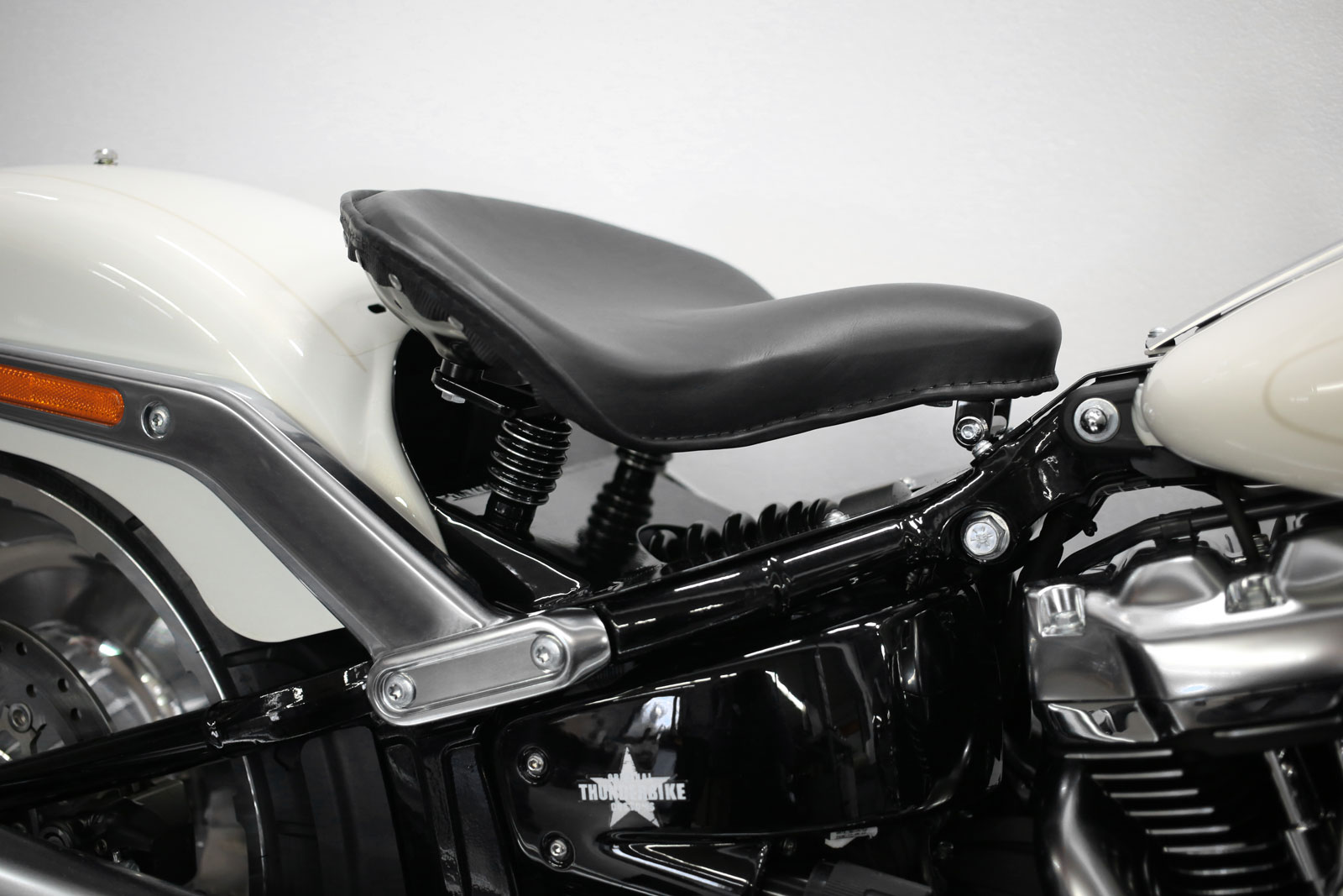 Mounting Kit Joe Bobber For Fat Boy Breakout 18 Later With Oem Fender At Thunderbike Shop