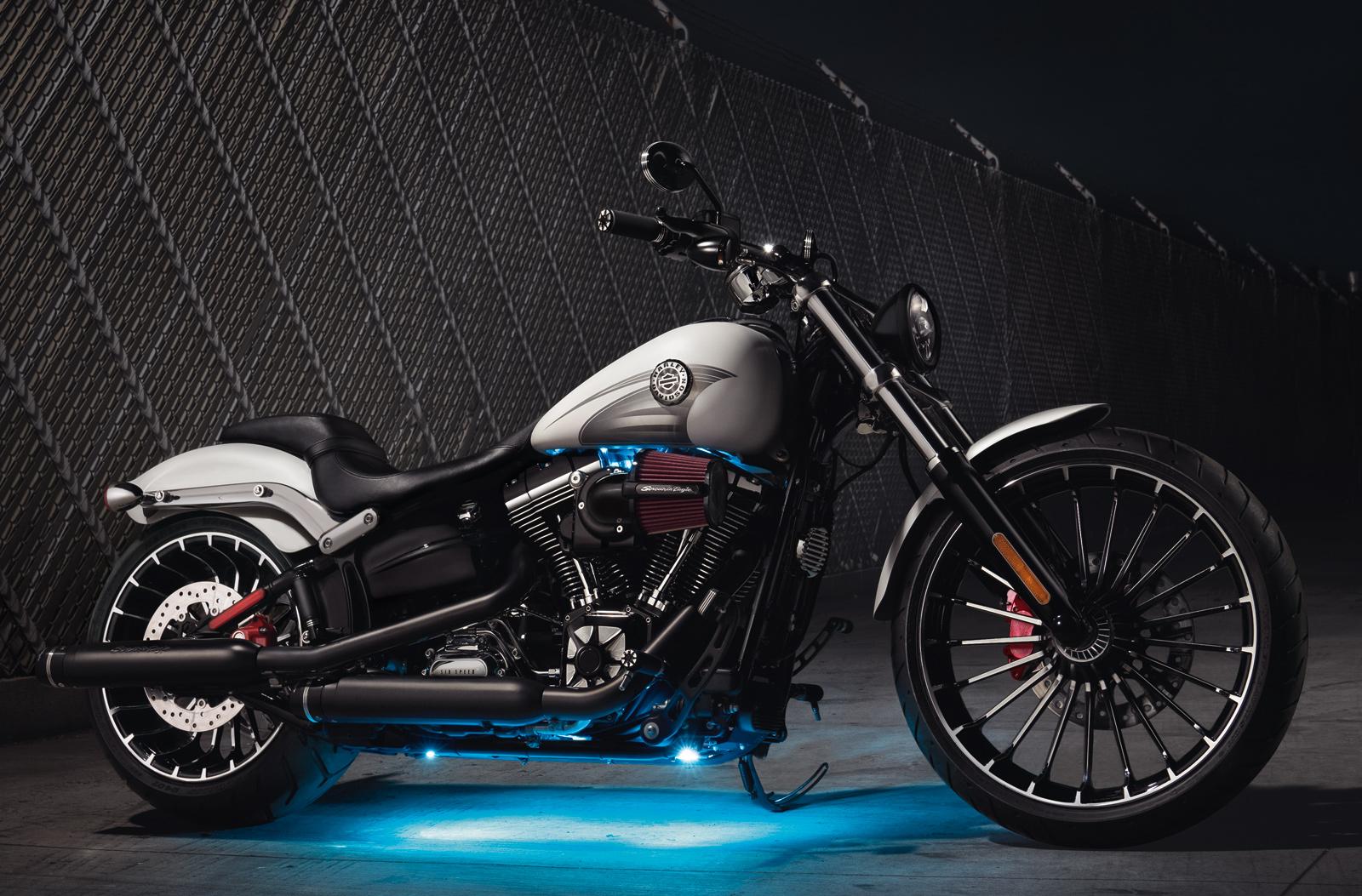 56000090 Edge Cut gewölbte Spiegel für Harley-Davidson