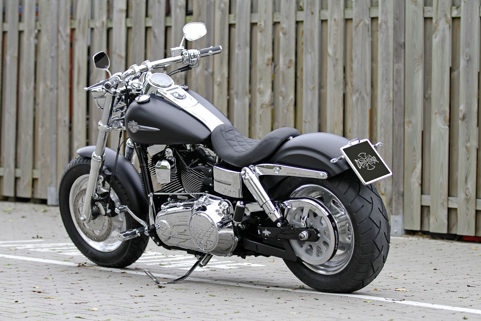 rear fender fatbob gfrp for dyna fat bob wide glide at thunderbike shop. Black Bedroom Furniture Sets. Home Design Ideas