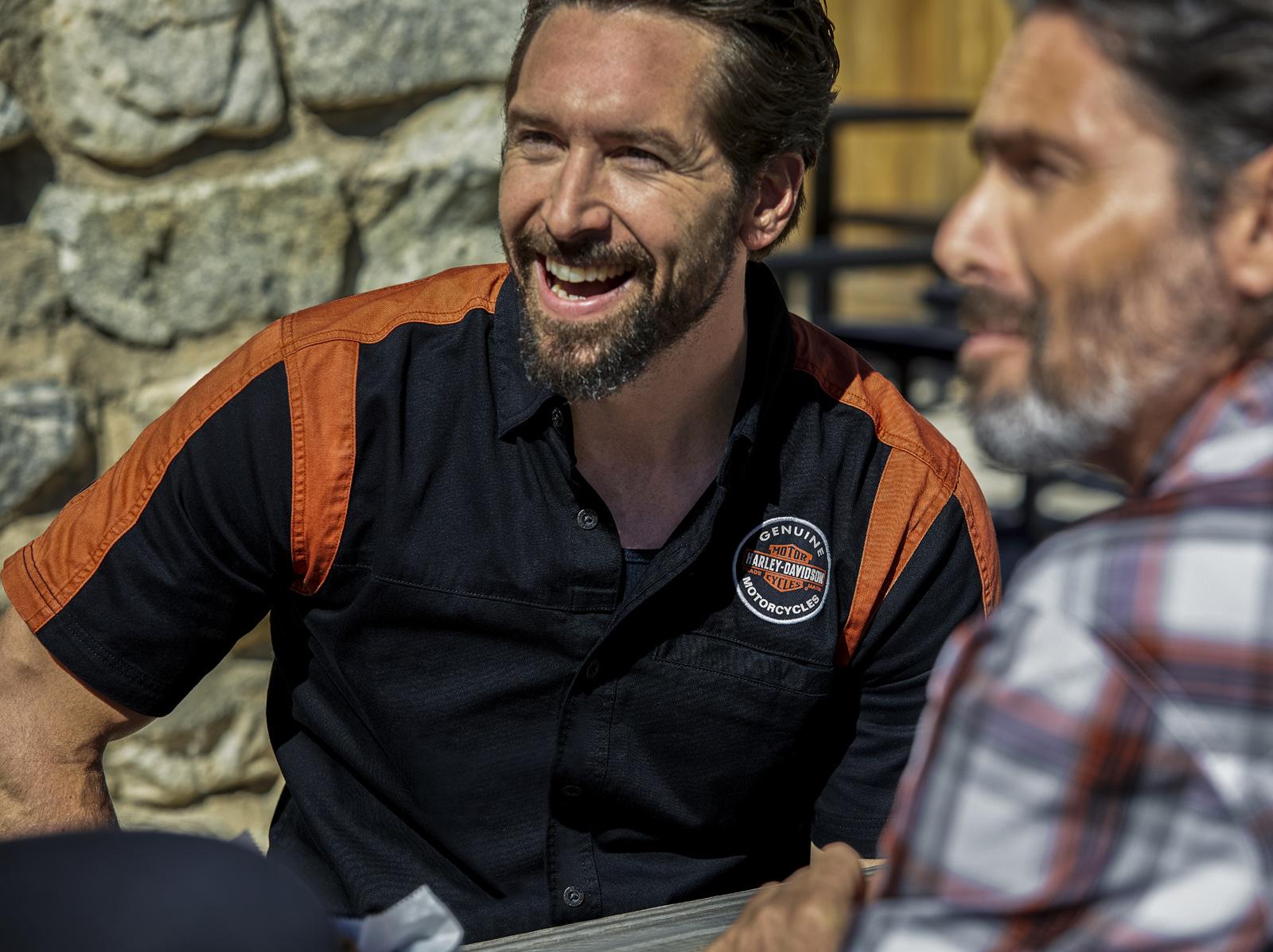 Genuine Harley Davidson Men/'s Oil Can HarleyWorld Chesterfield Dealer T-Shirt