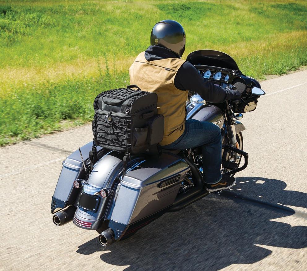 Kuryakyn 5285 Momentum Vagabond Sissy Bar Luggage Rack Bag Harley /& Metric